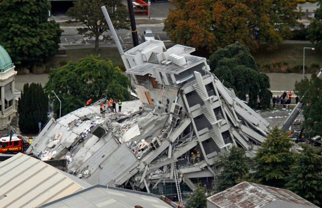 Heartbreaking Pictures of Christchurch Quake Aftermath