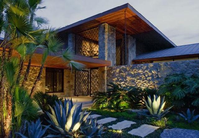 Jennifer Aniston Sells Her House for $42 Million