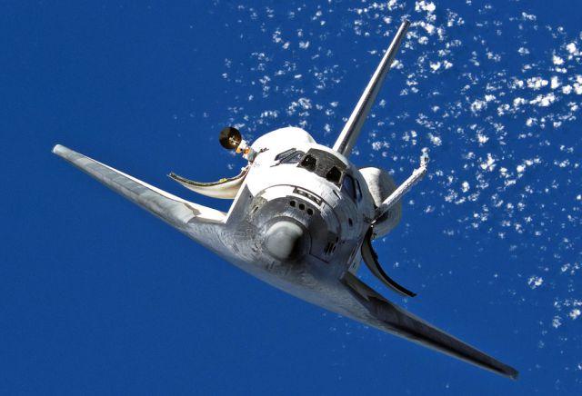 Gorgeous Blue Sky Under Foot During Spacewalk (33 pics ...