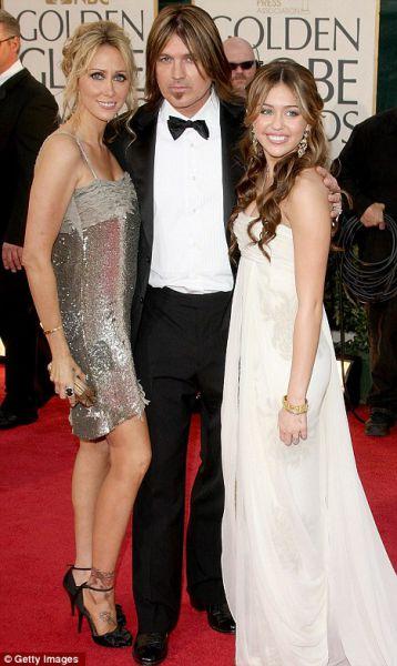 Eye on Stars: Charlie Sheen Is Definitely Winning, Joe Jonas And Ashley Greene Split And Other Hollywood News