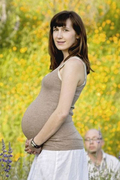 Weird Photos of Pregnant Women