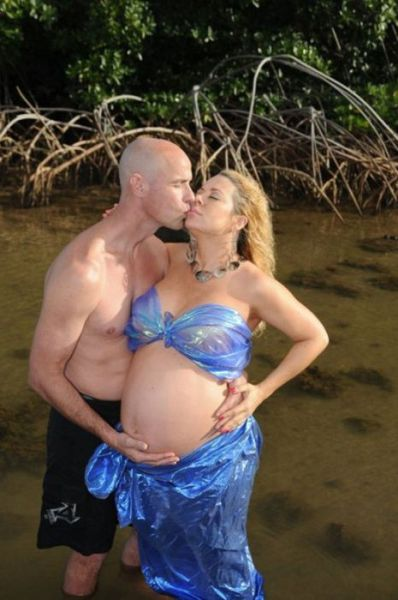 weird photos of 640 30 Weird Photos of Pregnant Women (34 pics)