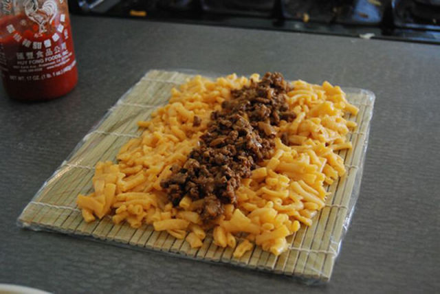 Making Sushi from Macaroni and Cheese