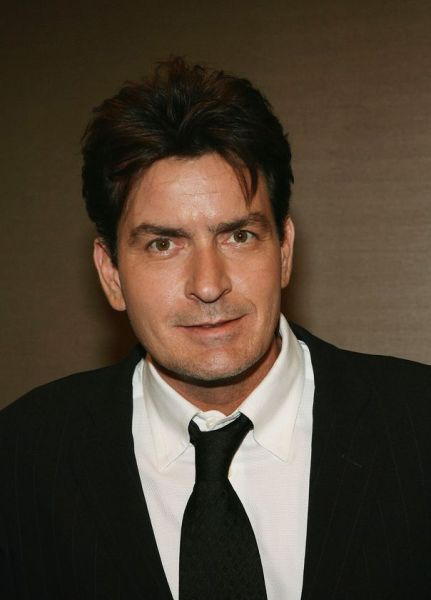 Eye on Stars: Charlie Sheen Bombs In Detroit, Taylor Swift Wins Big At Country Music Awards And Other Hollywood News