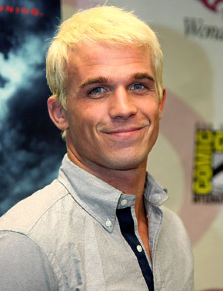 Eye on Stars: Gwen Stefani Is So Vain, Cam Gigandet Goes Blonde And Other Hollywood News