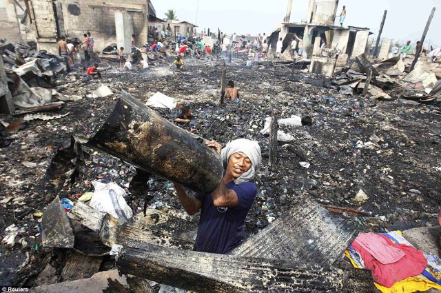Horrendous Images From Torched Filipino Shanty Town