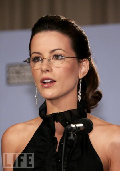 Black Frame Glasses Celebrities Wear : Hot Celebrities Wearing Glasses (42 pics) - Izismile.com