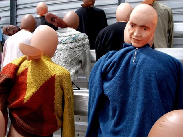 Inflatable Movie Extras Replace Humans