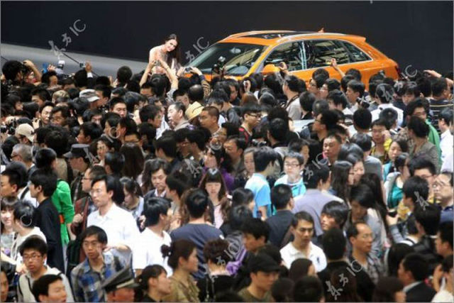 How Many People Went to a Motor Show in Shanghai?