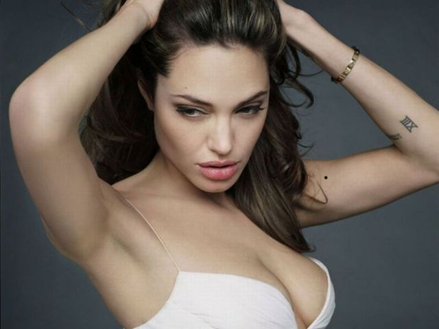Female Celebrities Who Are Hot Moms