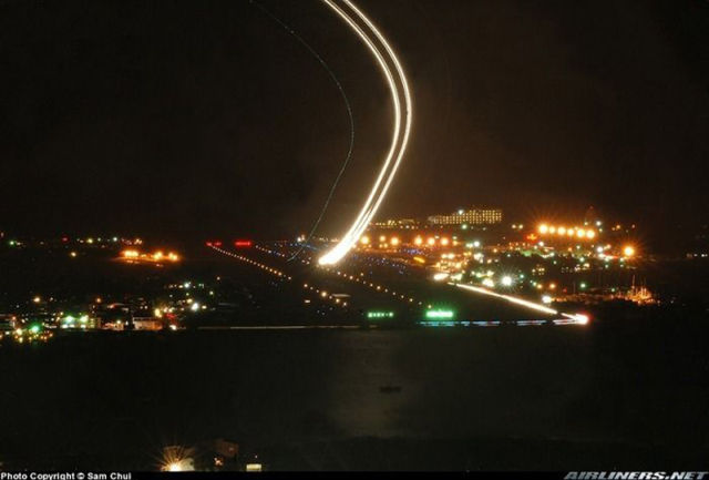 Long Exposures of Aircraft Landings and Takeoffs