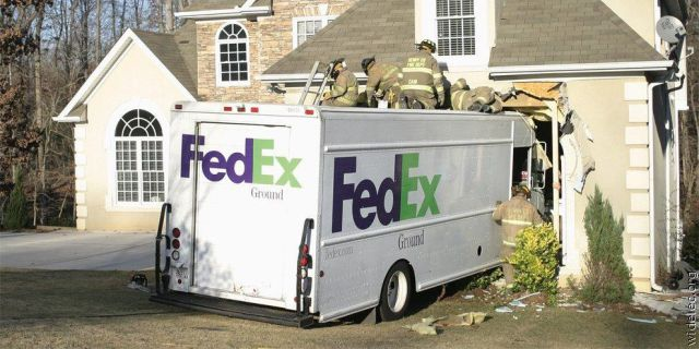 FedEx Truck Accident Crashes Into House