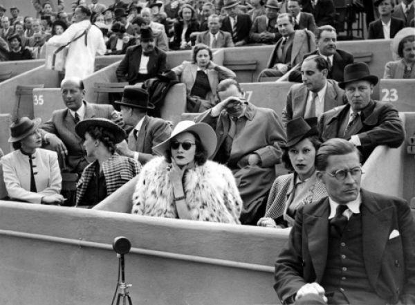 Rare Photographs of Celebrities. Part 14