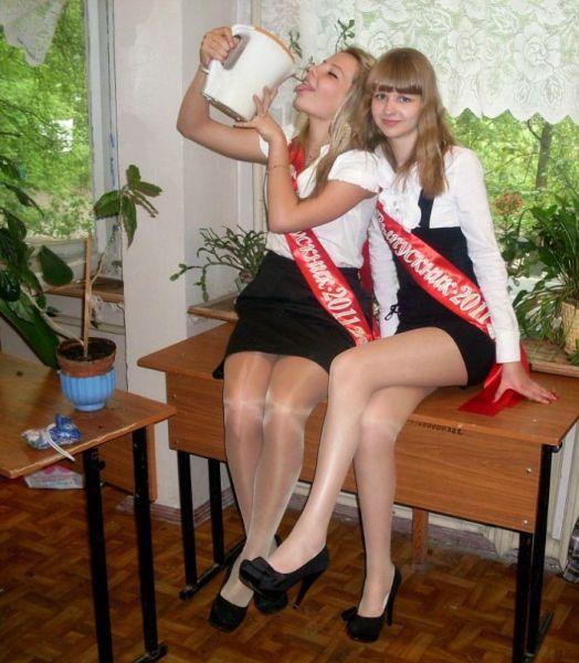 High School Graduate Babes 48 Pics - Izismilecom-8000