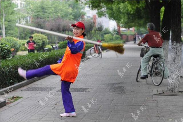 Chinese Idol: Sanitation Worker