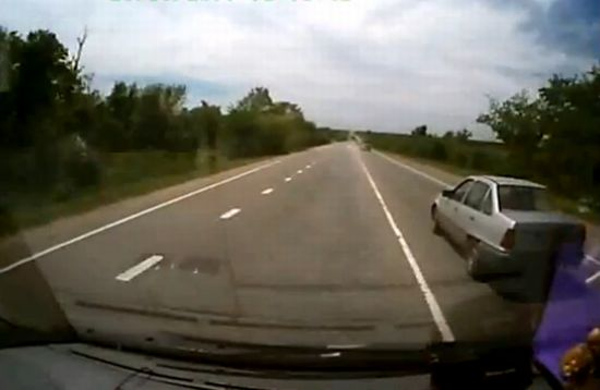 Why You Should Let Such Cars Pass [VIDEO]