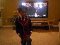 Little Boy Covers Teenage Dreams – Just Like in Glee