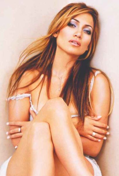 Eye on Stars: Jennifer Lopez Contemplating Her Future on American Idol and Other Hollywood News