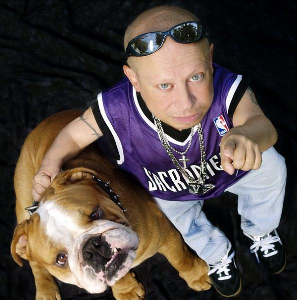 Celebrity Men and Their Dogs