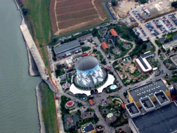 Uncanny Factoid: Reactor Playground