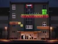 8 Bit Invader: Cool Projection Mapping on Building