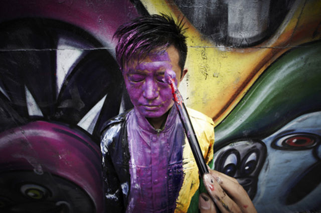 Camouflage Chinese Artist painted Into Mural