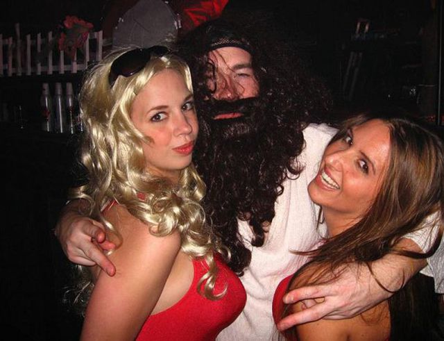 Jesus Partying With Super Hot Babes
