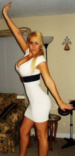 Hot girls in tight dresses pictures