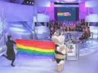 Big Nyan Cat Appeared on French TV
