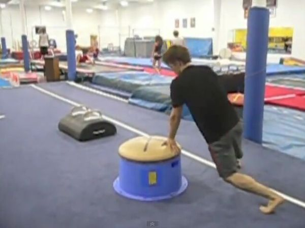 Guy Lost a Leg, Still Rules at the Gym [VIDEO]