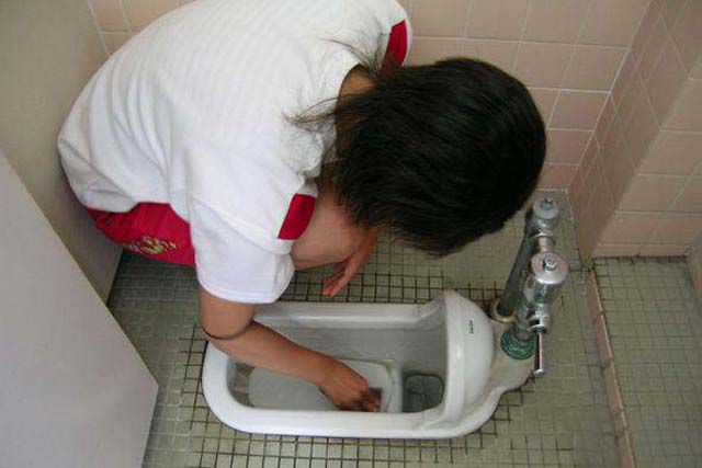 Japanese School Children Wash Toilets Barehanded