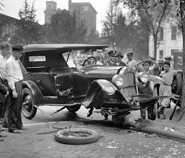 Retro Car Accidents