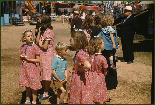 Stunning Bright Color Photos From 1900-1940s