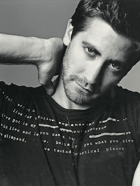 Eye on Stars: Jake Gyllenhaal Witnesses Gang Shooting and Other Hollywood News