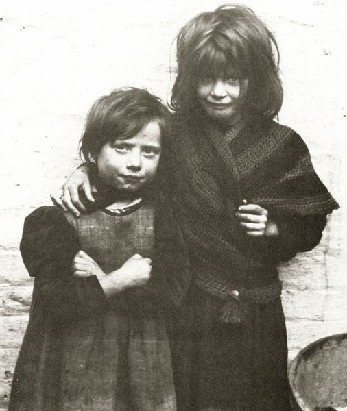 Stark 100-Year-Old Photos of Destitute East End Children