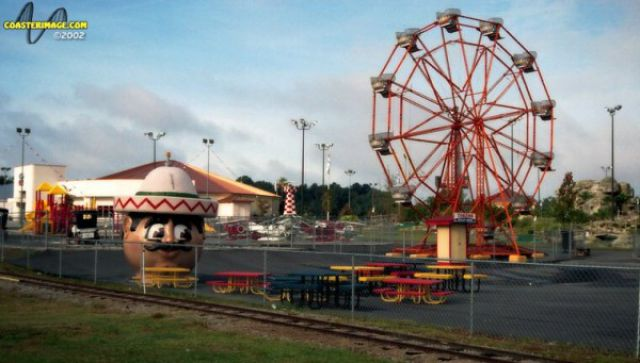 The Most Dreadful Theme Parks on Earth