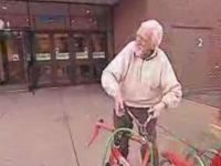 Funny Hidden Camera Prank – Old Man Needs Help