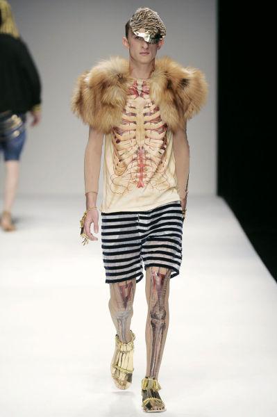 Naked fashion runway shows
