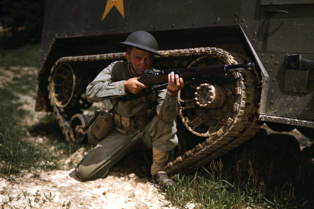 Color Photos of American Home Front during World War II
