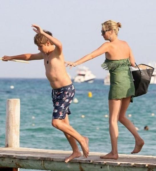 How Kate Moss Likes to Have Fun
