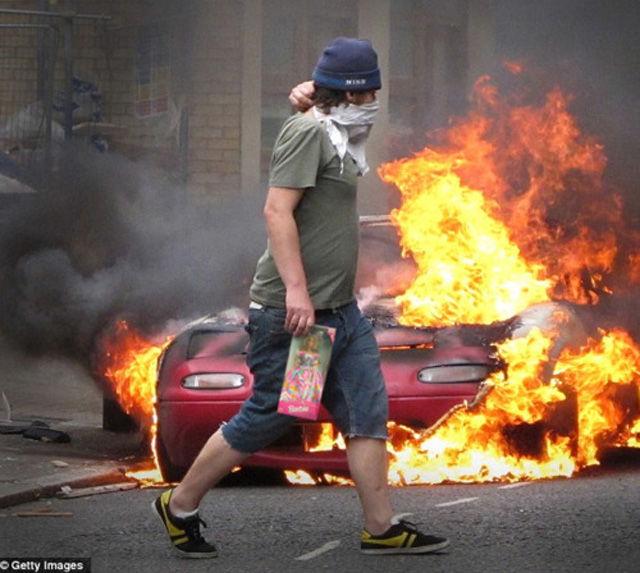 Hilarious Photoshopped London Looter Images