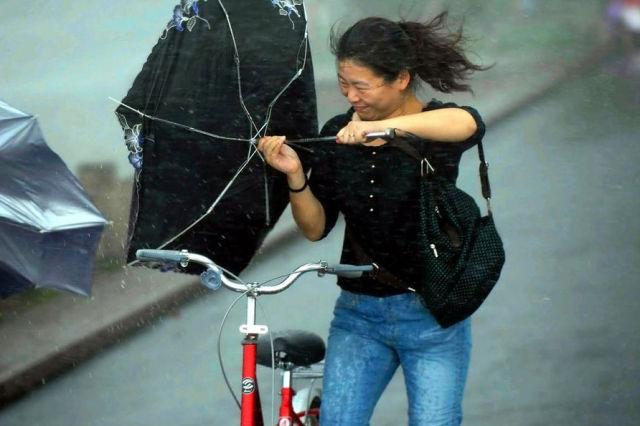 Typhoon Muifa Shrieks Through Shanghai