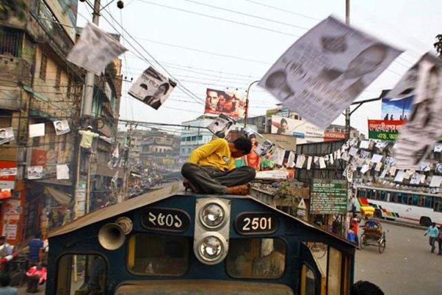 Harrowing Bangladesh Train Hopping Images