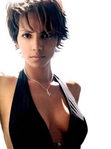 Accept. Halle berry very sexy with