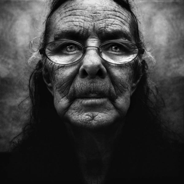 Amazing Black and White Photos of the Homeless