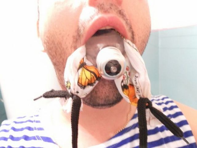 A Light Bulb in the Mouth: How-to-Remove Instruction