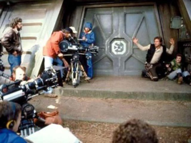 Rare Behind The Scenes Pictures From Iconic Movies