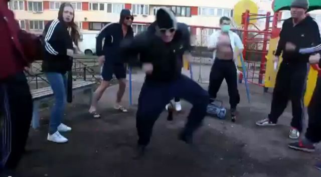 Silly Russian Party Time [VIDEO]