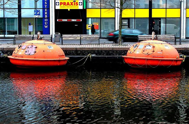 Floating Capsule Hotel in France