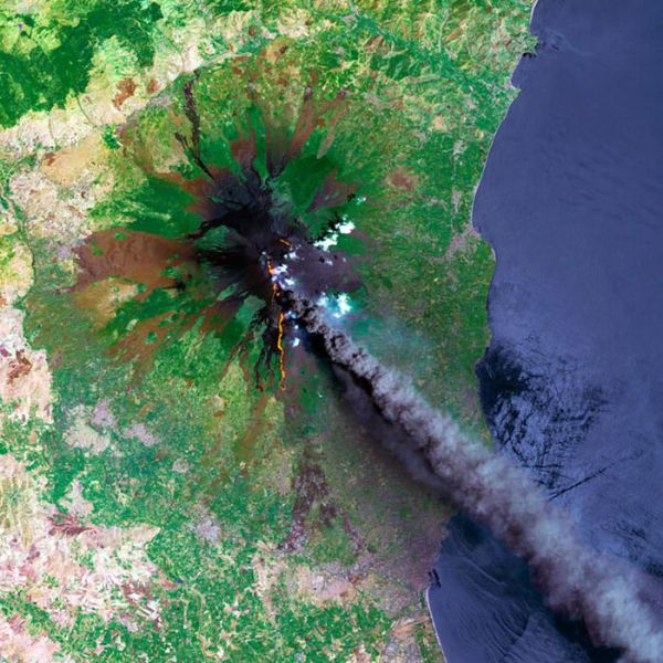 Incredible Space Photos of Volcanoes